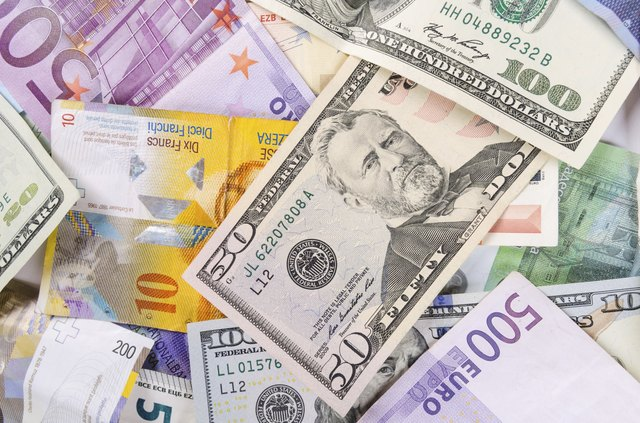 Factors to Consider While Buying Foreign Currency