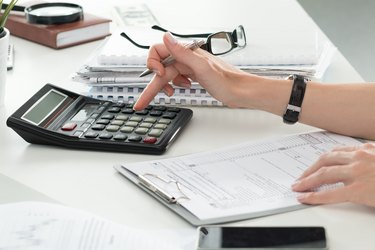 What Are the Taxes on a Bonus?