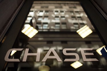 How to Fill Out a Deposit Slip From Chase Bank