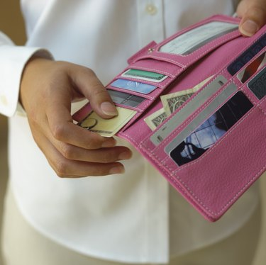 How Do Thieves Scan Credit Cards in Your Purse?