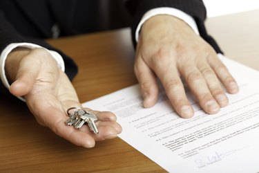 How to Write a Purchase Agreement              hand over of house keys
