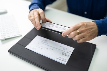 Remote Check Deposit Using Mobile Photo. Scanning Documents