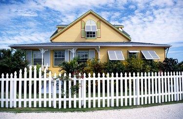 House with picket fence, Grand Bahama, Bahamas