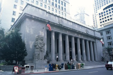Photography of the stock exchange building, San Francisco, United States of America