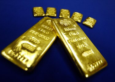 Americans Invest In Gold