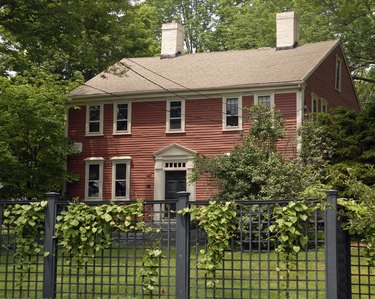 New England Colonial House from 1740