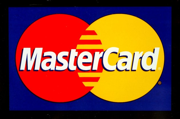 MasterCard Settles With Retailers To Avoid Trial
