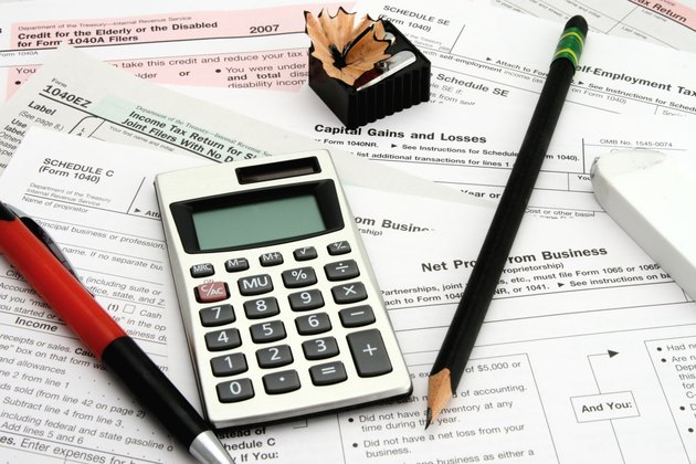 How to Request a 1099 From the IRS             Calculating Taxes
