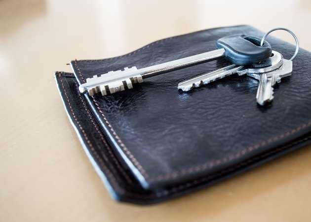 Will I Lose My Section 8 if I Have No Income?House Keys on Top of a Leather Wallet