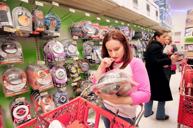How to Be a Wise Consumer              Christmas Shopping Season is Underway
