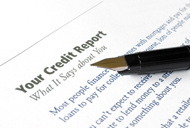 What Is an I9 on a Credit Report?