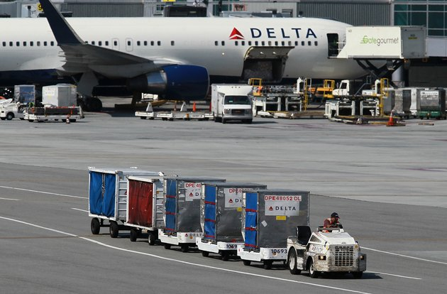 Delta Air Profit Trails Analysts' Estimates on Rising Fuel Costs
